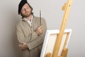 絵を描く準備する人